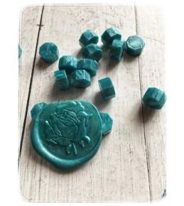 Воск темно голубой перламутровый, гранулы, 3 штуки
