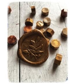 Воск состаренное золото, гранулы, 3 штуки