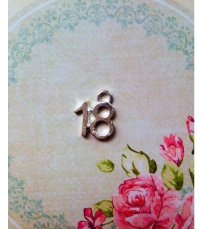 """Металлическая подвеска """"18"""""""