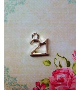 """Металлическая подвеска """"21"""""""