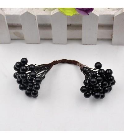 Веточка с ягодками, черная